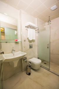 Ванна кімната в Antis Hotel-Special Category