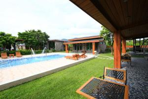 The swimming pool at or near Kenting Four Season Villa