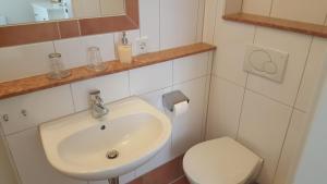 Ein Badezimmer in der Unterkunft Gästehaus Villa Linda