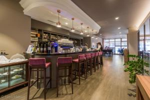 A restaurant or other place to eat at The Westin Zagreb