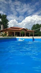 The swimming pool at or near Casona Aventurados