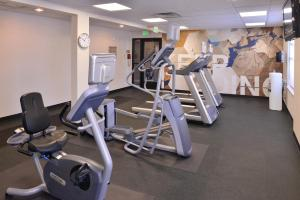 The fitness center and/or fitness facilities at SpringHill Suites Las Vegas Henderson