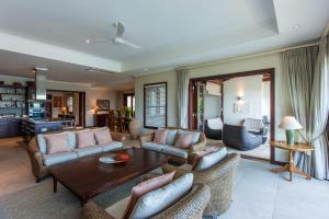 A seating area at Tres Belle Villa Seychelles