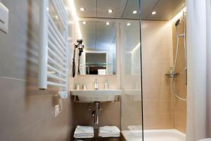 Ein Badezimmer in der Unterkunft Hotel Alexander Zurich Old Town