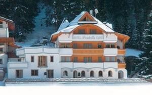Hotel Garni Pradella during the winter