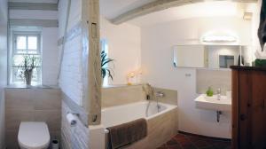 Ein Badezimmer in der Unterkunft Chestnut Cottage
