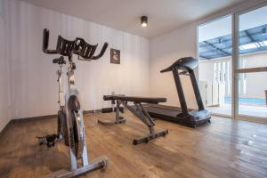 The fitness center and/or fitness facilities at We Briza Hotel Chiangmai