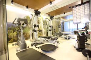 The fitness center and/or fitness facilities at Mountain Vita