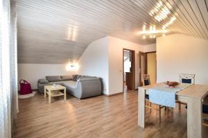 Ein Sitzbereich in der Unterkunft Appartement/Ferienwohnung