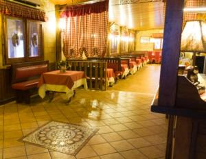 A restaurant or other place to eat at Hotel Tenuta San Francesco
