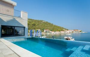 Bazén v ubytovaní Guesthouse Augusta Insula alebo v jeho blízkosti
