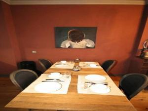 A restaurant or other place to eat at Gambetta