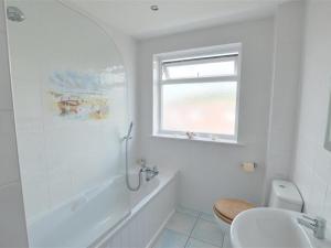 A bathroom at Apartment Grand View