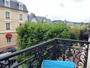 A balcony or terrace at Apartment Le Béarnais