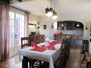 A restaurant or other place to eat at Holiday Home Fromental