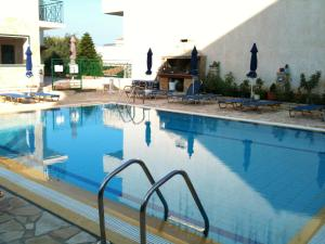 The swimming pool at or near Petros Studios