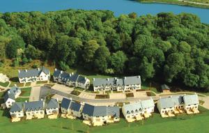 A bird's-eye view of Fota Island Resort 3 Bed Courseside Lodges