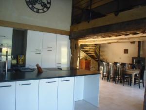 A kitchen or kitchenette at Grange de la Motte