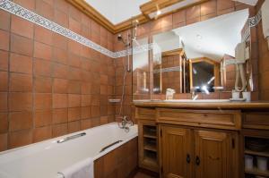 A bathroom at Hibou