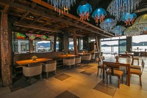 The lounge or bar area at Two Seasons Coron Bayside Hotel