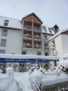 L'établissement Logis Hôtel L'Auzeraie en hiver