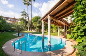 The swimming pool at or near Turismo Interior Son Sant Jordi