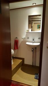 Een badkamer bij Botel Liza Marleen