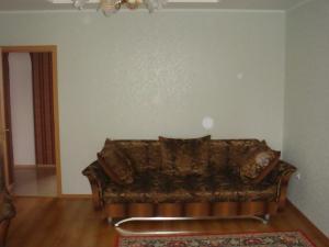 A seating area at Apartments at Potemkina 13