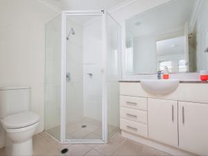 A bathroom at Seaspray Villa 5
