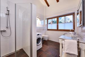 Ein Badezimmer in der Unterkunft Ferienwohnung Alpspitzblick
