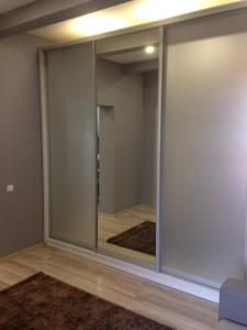 A bathroom at Apartment on Nezalezhnosti Embankment