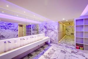 A bathroom at Space Inn Xinyi