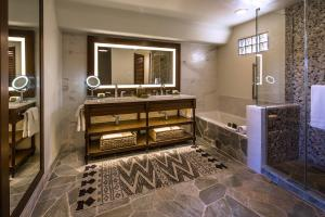 A kitchen or kitchenette at Boulders Resort & Spa Scottsdale, Curio Collection by Hilton