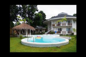 The swimming pool at or near Bohol Dreamcatcher Resort