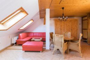 Ein Sitzbereich in der Unterkunft Apartments Ilmtal-Jena