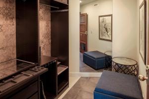 A bathroom at Suite 11 Victoria Square