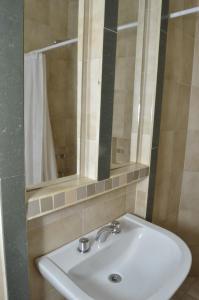 A bathroom at Hosteria Tia Florita