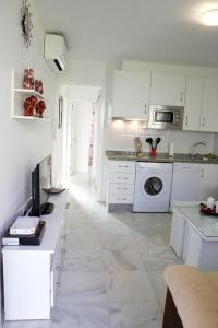 A kitchen or kitchenette at Apartamento Andalucía