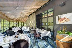 A restaurant or other place to eat at Radisson BLU Balmoral