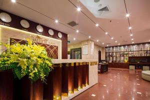 Лобби или стойка регистрации в Galliot Hotel