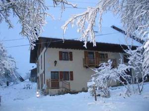 L'établissement Chambre d'hôtes Les Pralets en hiver