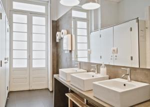 Een badkamer bij Porto Spot Hostel