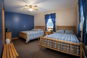 A bed or beds in a room at Deer Valley Trails