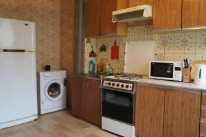 Кухня или мини-кухня в 2-х комн квартира в удобном месторасположении