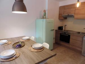 A kitchen or kitchenette at Homing Ransol 3