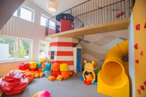 Klub dla dzieci w obiekcie Hotel La Siesta & Medical Spa