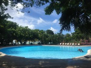 The swimming pool at or near Hotel Henry Morgan All Inclusive