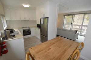 A kitchen or kitchenette at Bobuck 3B