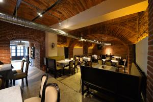 Un restaurant sau alt loc unde se poate mânca la Pensiunea Antique