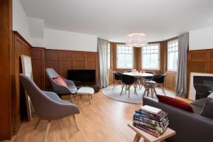 Ein Sitzbereich in der Unterkunft Boutique Apartments Bezau